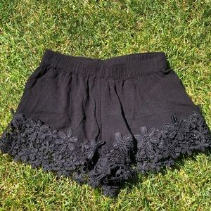 Black Shorts with Flowers (XS)